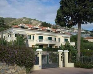 Стоит ли покупать недвижимость за рубежом ради получения вида на жительство? - Фото