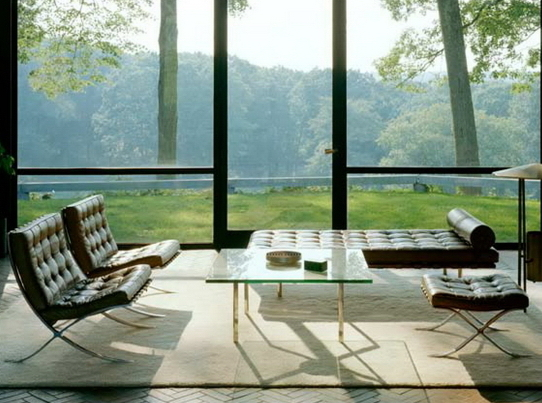 Что ты видишь из окна: стеклянные дома как дополнительная степень свободы