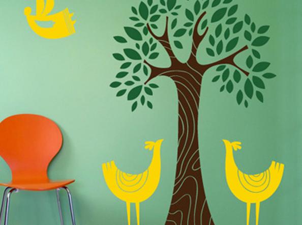 Наклейки на стену: 10 советов и идей по мгновенному преображению пространства