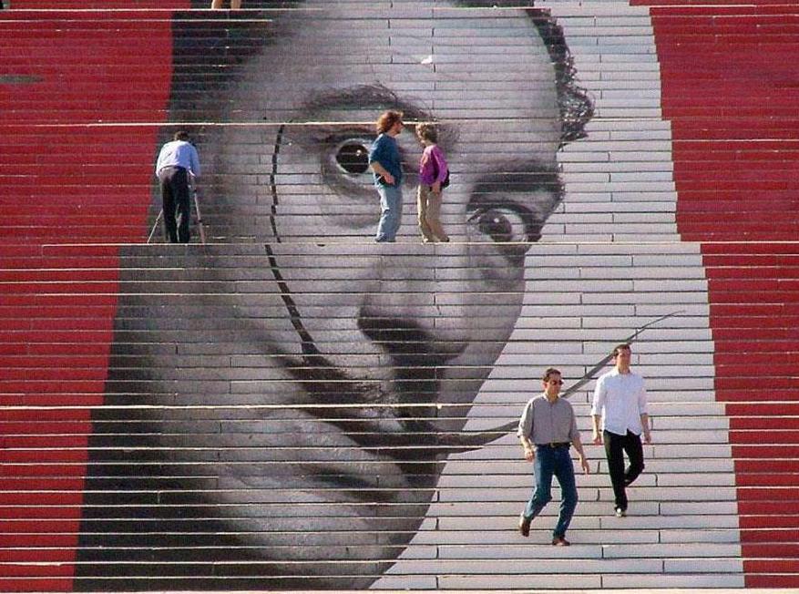 Креативный подъем: самые красочные лестницы мира