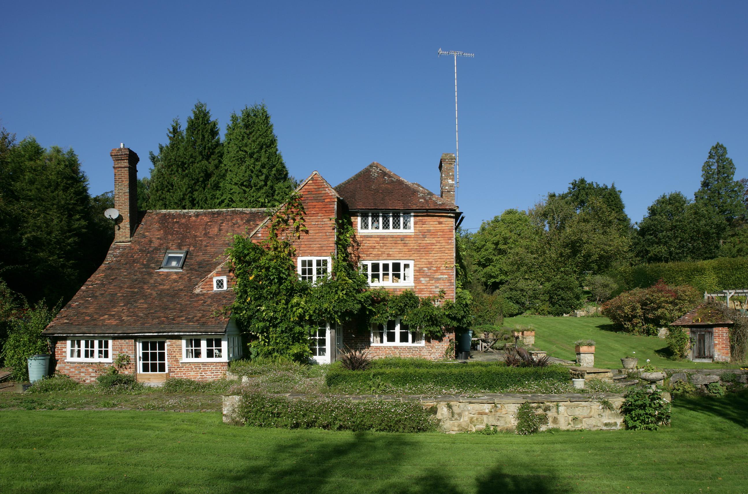 Посторонним В: дом Винни-Пуха выставлен на продажу в Англии