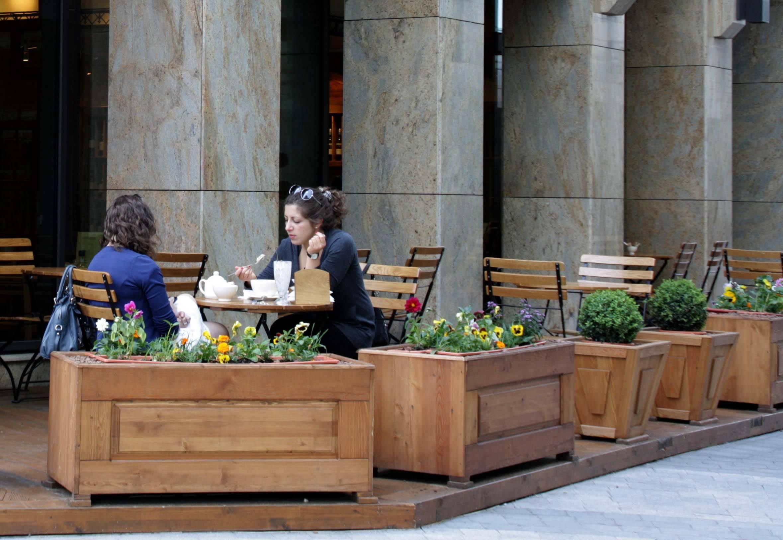Москва избавляется от летних кафе