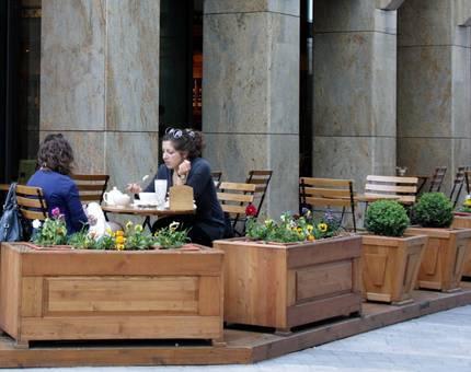 Москва избавляется от летних кафе - Фото