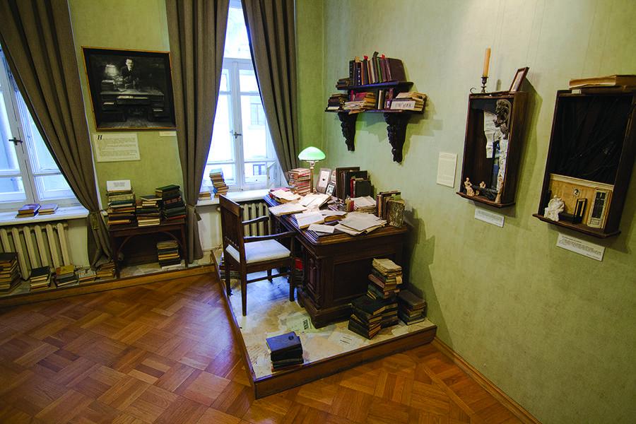 Интерьер московской квартиры Булгакова восстановят