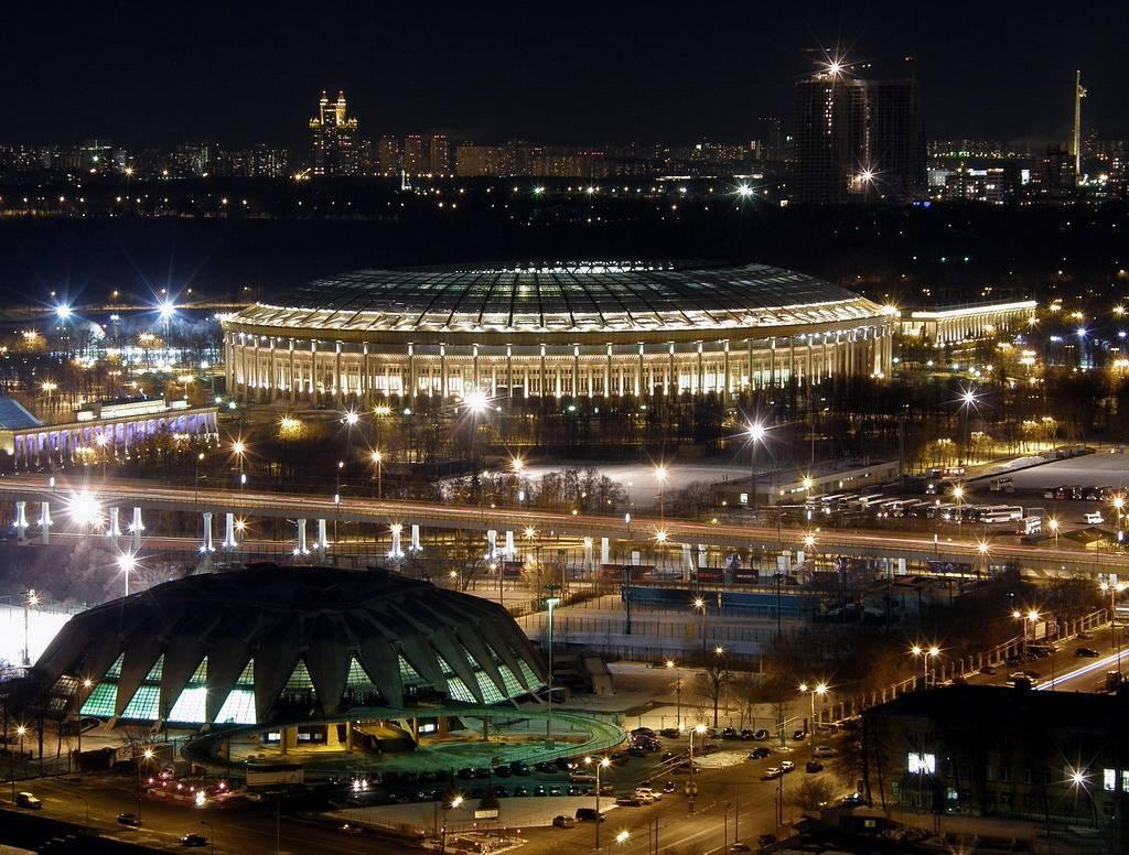 В «Лужниках» установят полторы тысячи новых фонарей