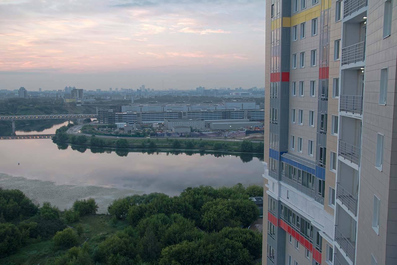 «Спасский мост» искушает скидками на счастливом этаже