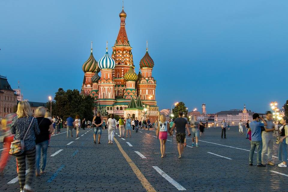 В День города в Москве перекроют Тверскую, Петровку и Цветной бульвар