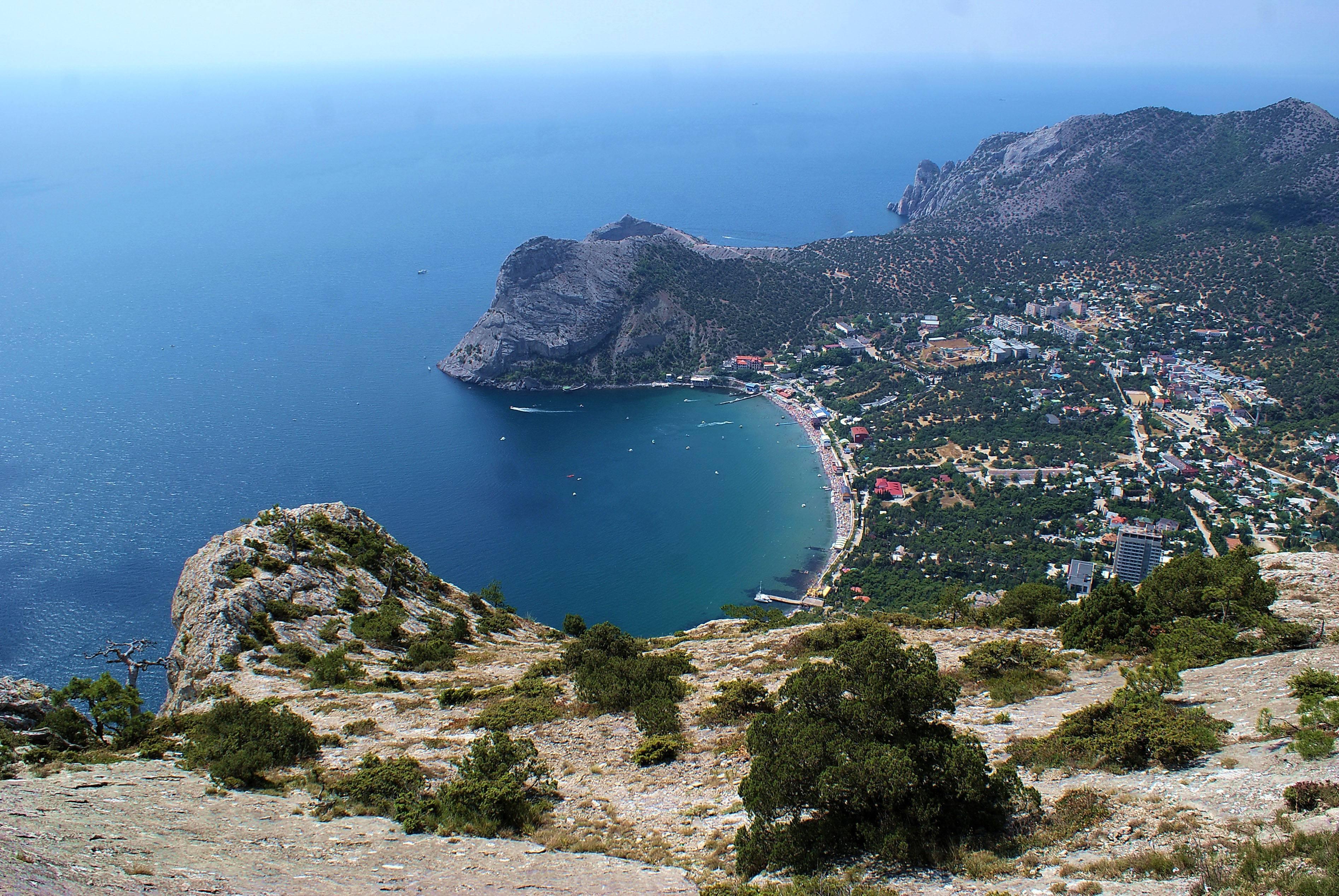 Масштаб незаконной застройки побережья Крыма поразил воображение чиновников