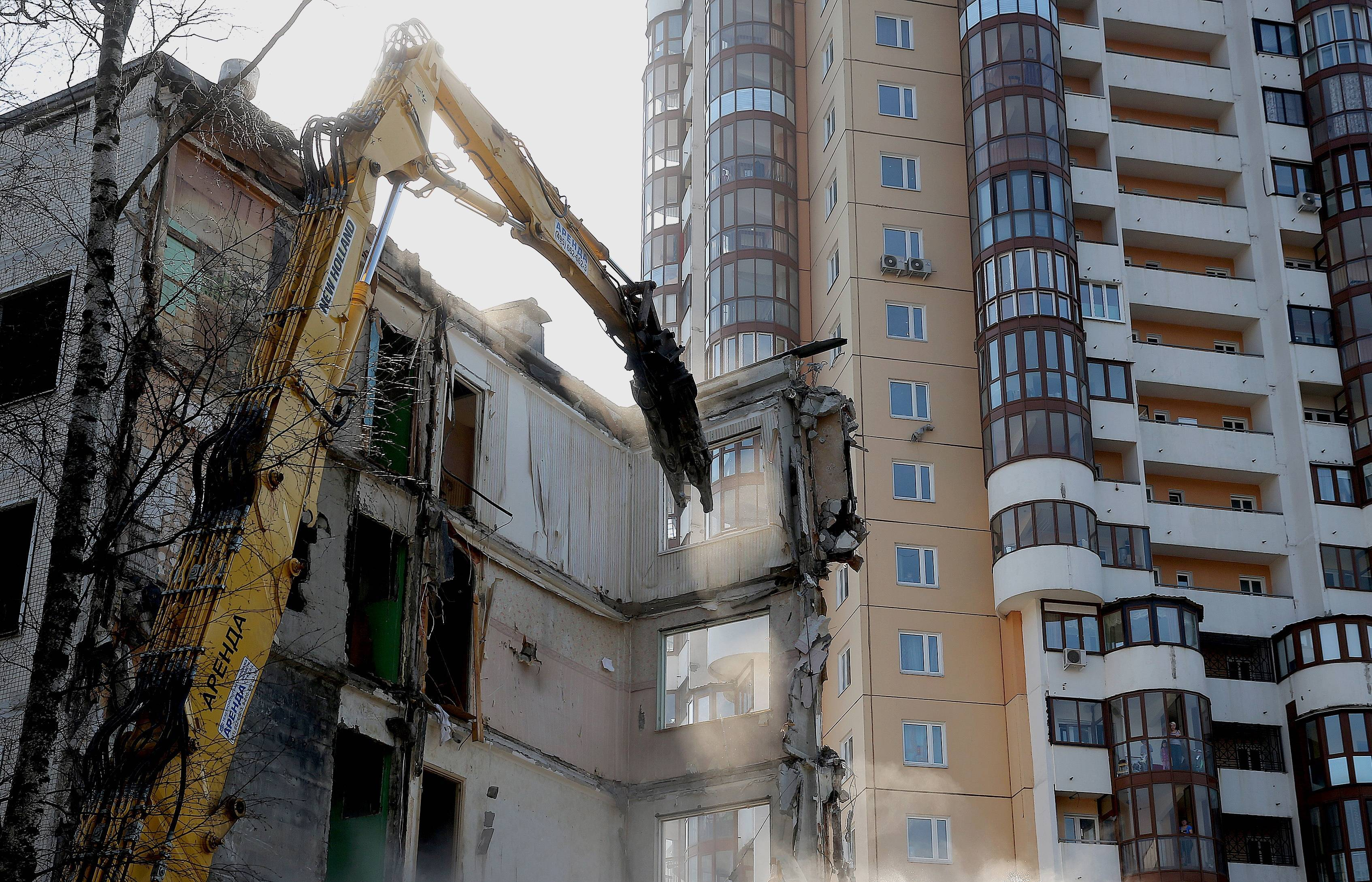 В Москве из снесенных пятиэтажек переселили «четыре района»