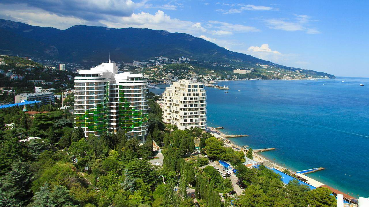 В Крыму запретили сделки с недвижимостью в прибрежной зоне
