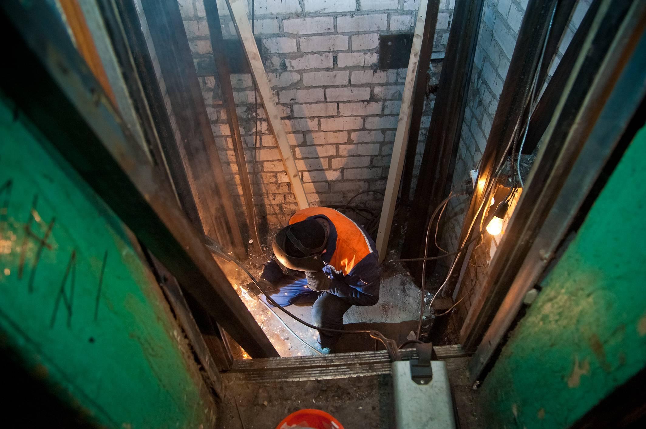 Более пяти тысяч лифтов заменили в столице по программе капремонта