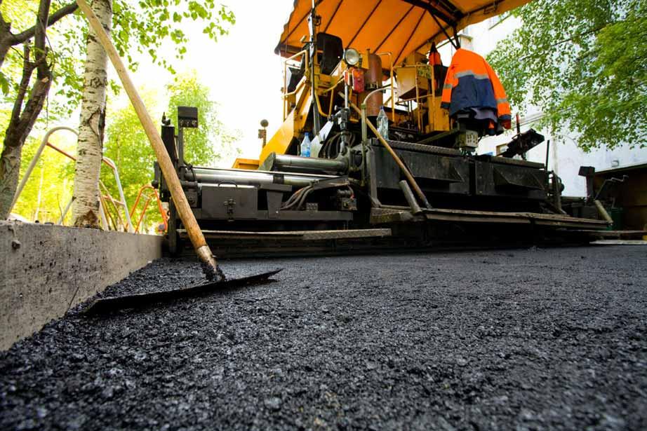 За три года в столице реконструируют более 450 км дорог