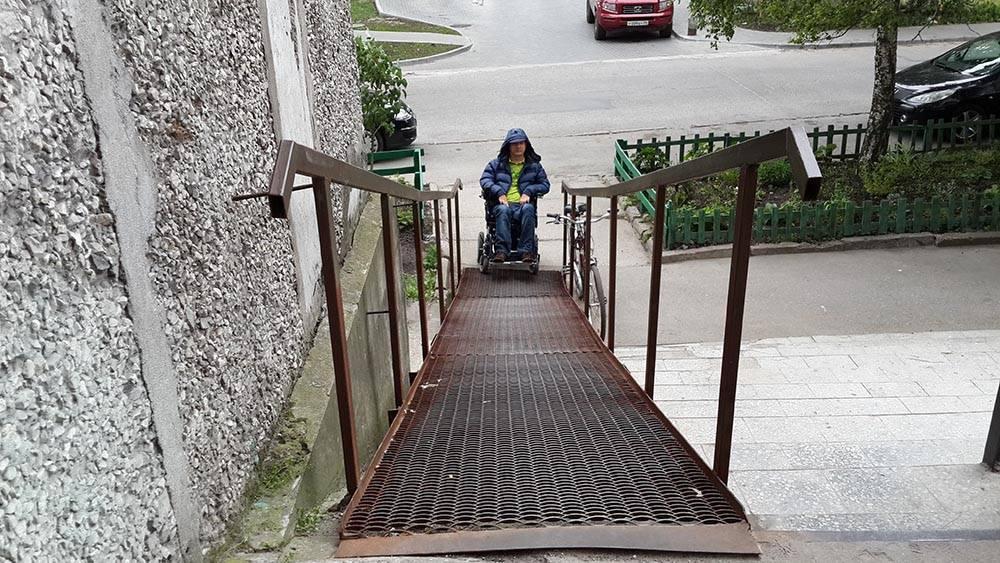 Инфраструктуру для инвалидов хотят тестировать на каскадерах