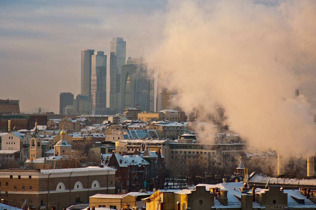 Каток накрыше небоскреба вМосква-Сити
