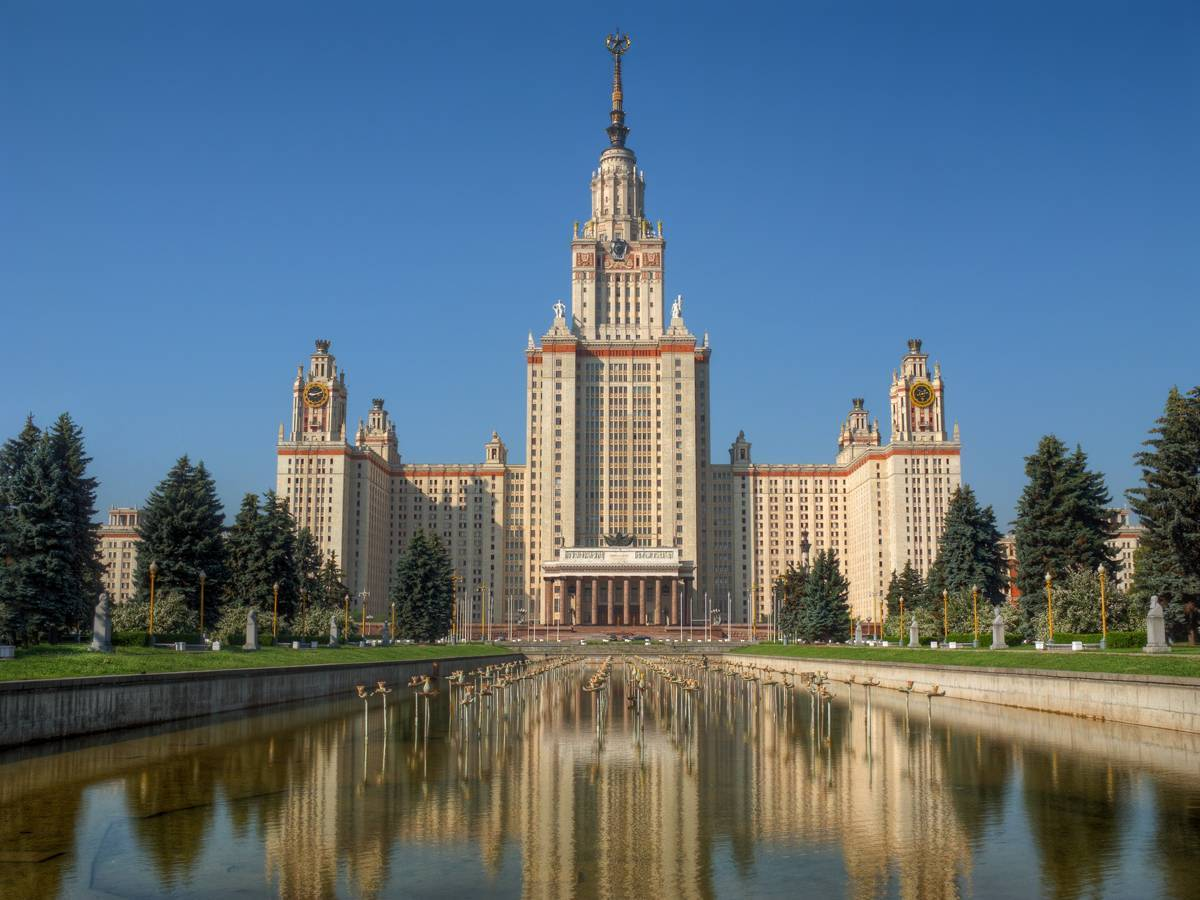 Китайцы возводят копию здания МГУ