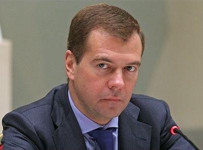 Медведев предложил вузам объединяться для строительства спортсооружений
