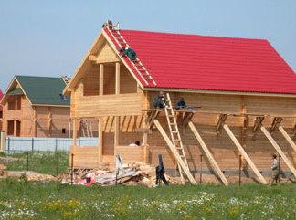 Чуть более 500 домов осталось построить в России для погорельцев
