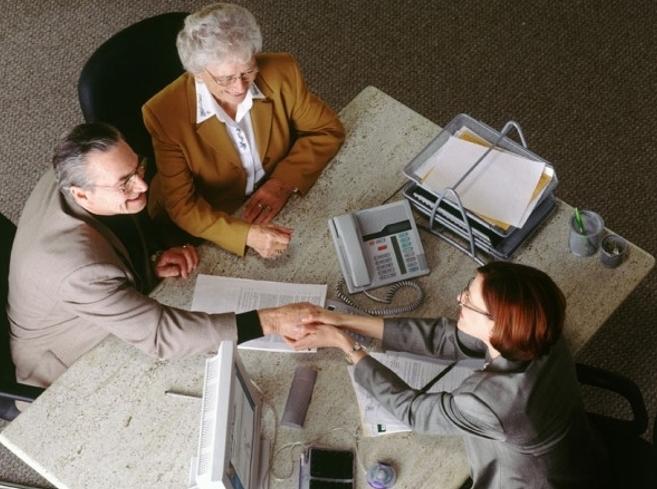 Поправки в ГК РФ: нотариусы будут регистрировать сделки с недвижимостью