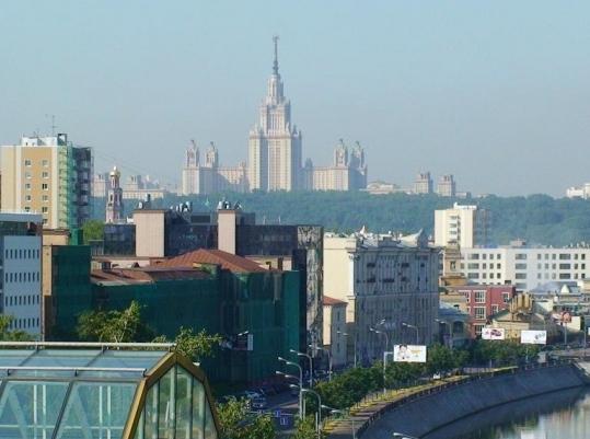 Район Хамовники занимает лидирующие позиции по объему предложения элитных квартир в столице