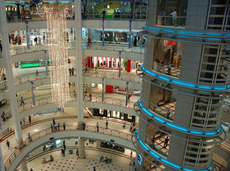 2013 год может стать рекордным  по объему новых торговых центров в России