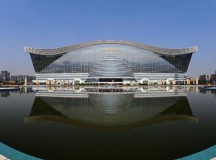 Китай воздвиг самое большое здание в мире