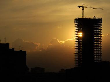 Архитектура новых жилых домов стремится к минимализму и хай-теку
