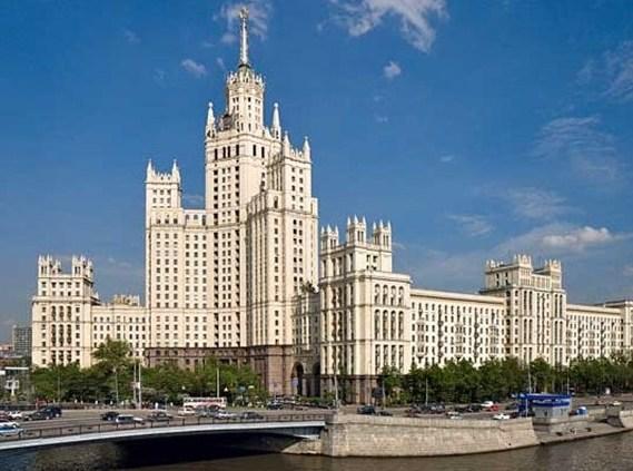 Квартиры в сталинских высотках дорожают с каждым этажом на 7%