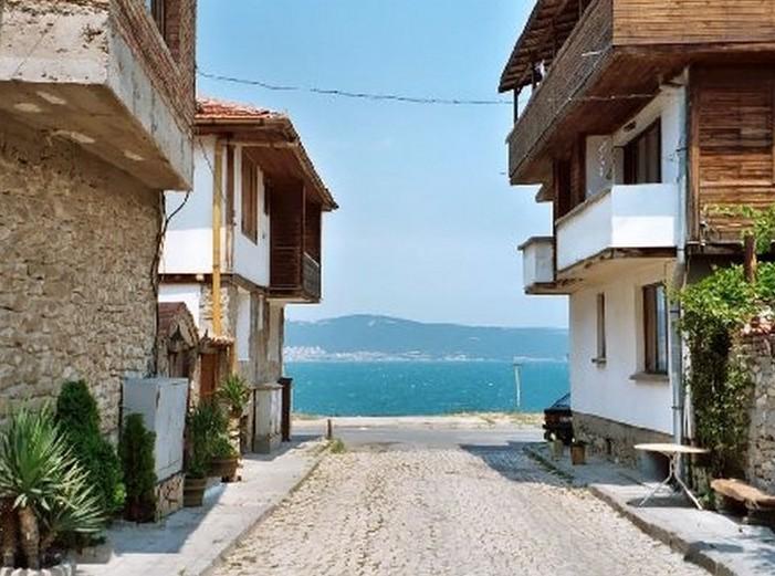 Российские пенсионеры меняют свои квартиры на болгарские курорты