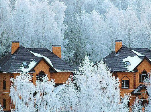 В каждом третьем коттедже в Подмосковье люди живут и зимой