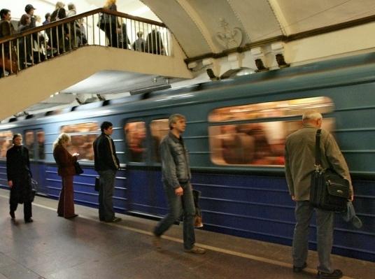 Из-за падения рубля пересматриваются сроки строительства метро в Москве