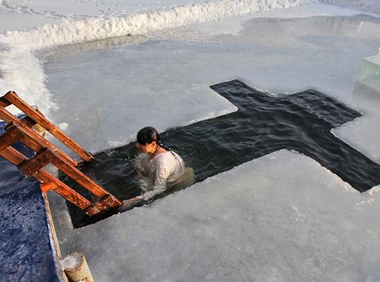 В Дворцовом пруду Останкино можно будет искупаться в проруби на Крещение