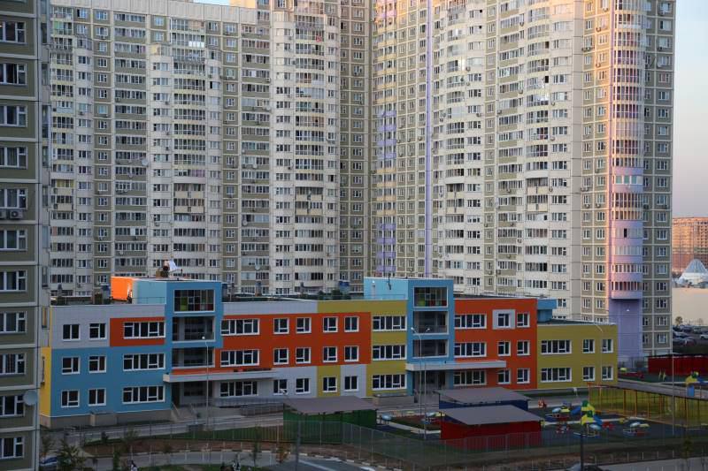 За счет инвесторов в Москве появится 9 тысяч мест в школах и детсадах