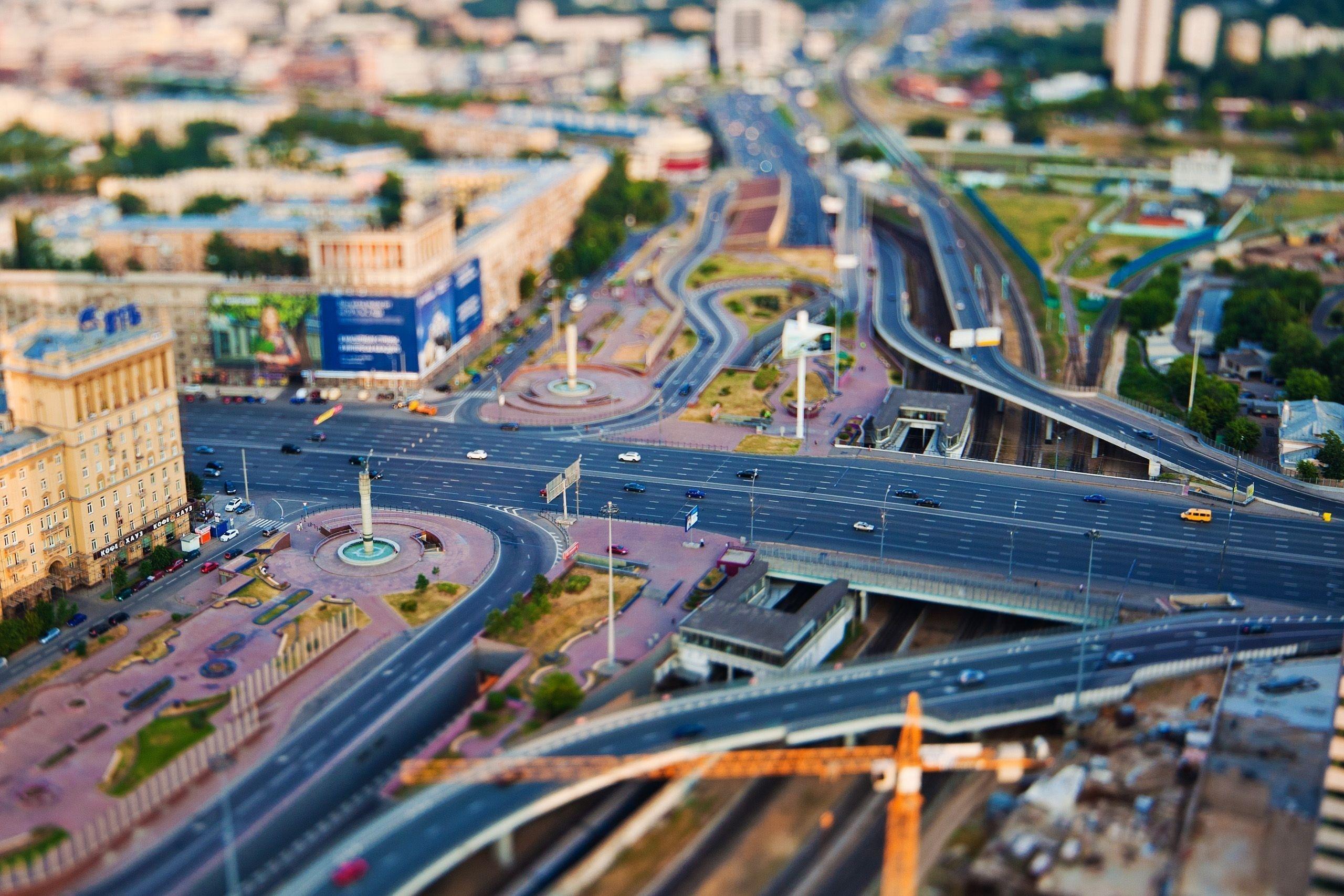 В Москве за три года построят 300 км новых дорог