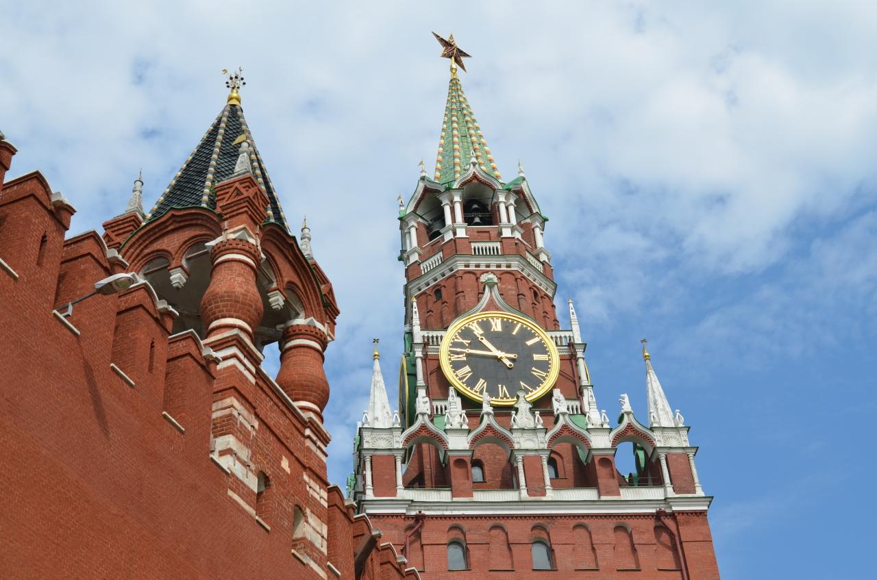 Реставраторы начнут работы на стене Кремля в ближайшее время