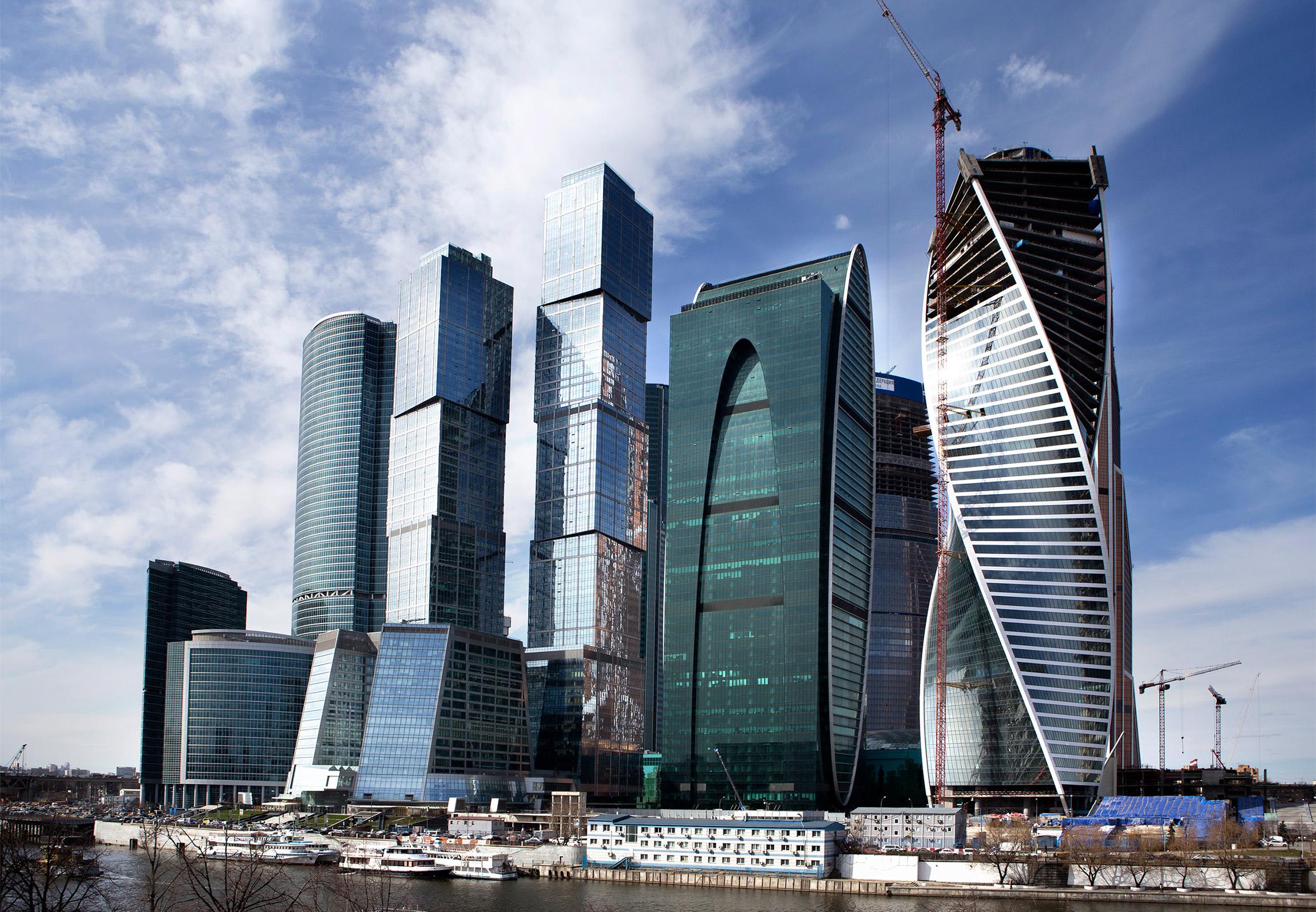 Столичные чиновники переедут в «Москва-Сити» не раньше, чем через год