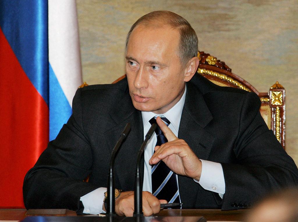 Путин призвал вводить рыночные механизмы в строительстве