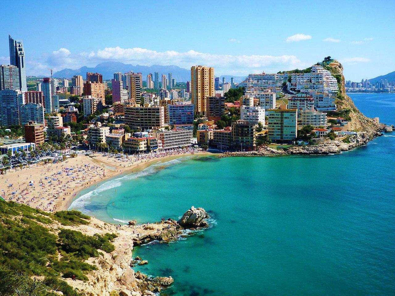 Семьи депутатов Госдумы предпочитают недвижимость в Испании