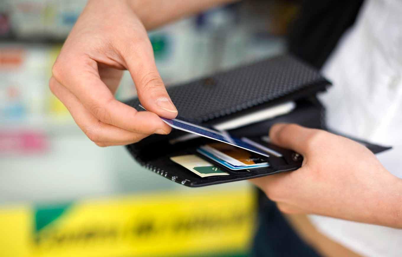 С августа оплатить проезд в столичном метро можно будет банковскими картами