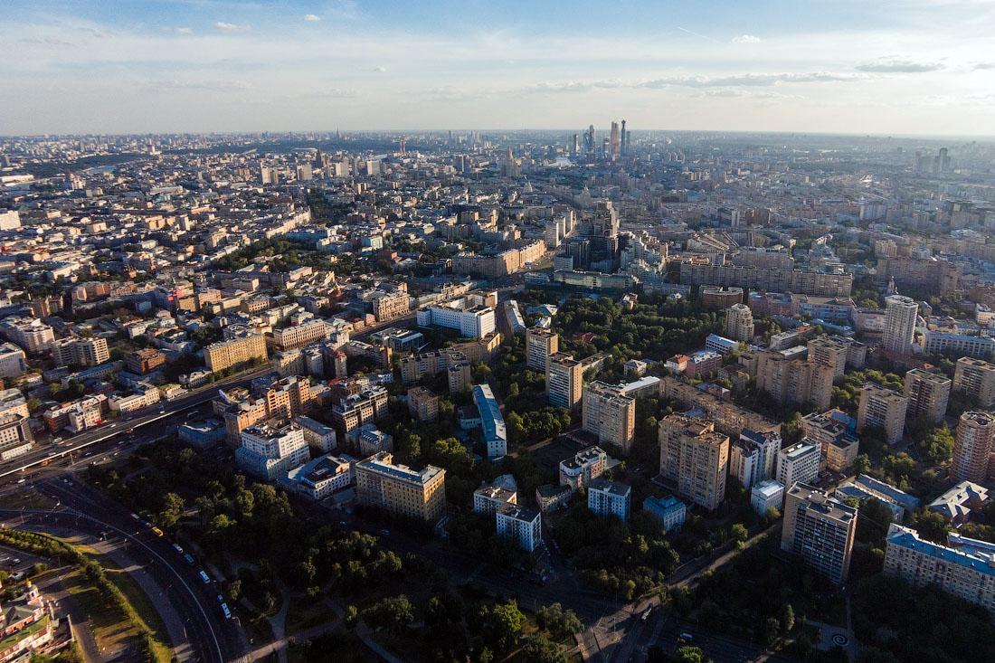 Магазины и офисы в столице хотят переформатировать в технопарки