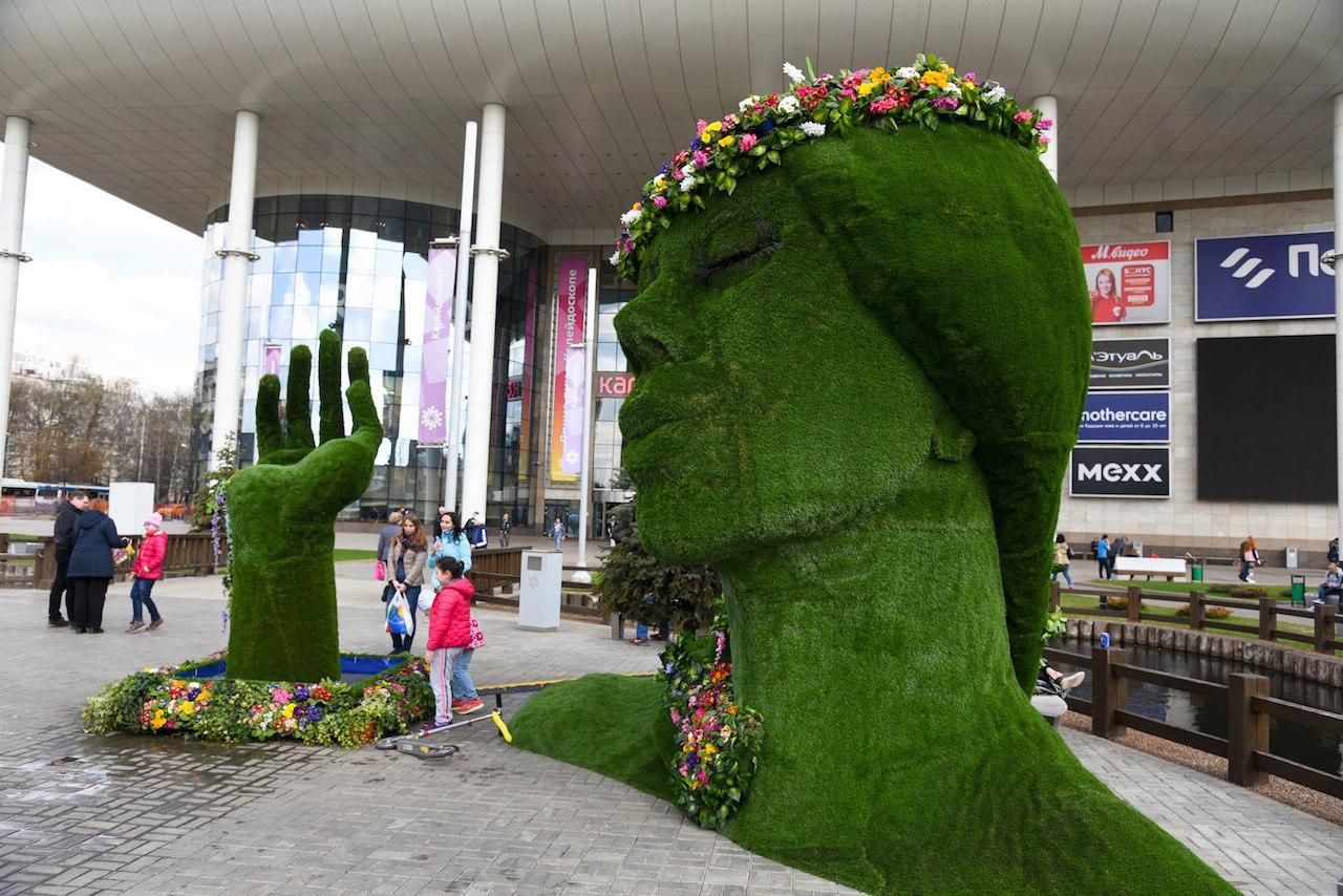Большая зеленая голова повысила обороты торговли в Тушино