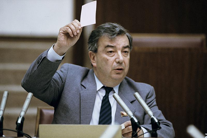 Лавров предлагает поставить памятник Примакову