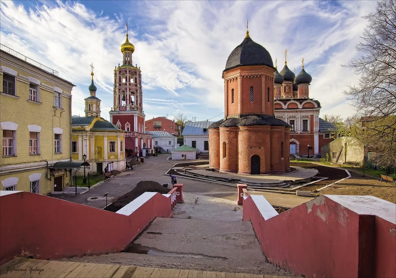 При реставрации Высоко-Петровского монастыря в Москве обнаружен древний колодец