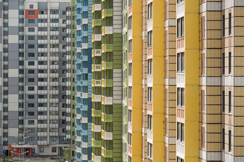 Темпы строительства панельных домов опередили покупателей