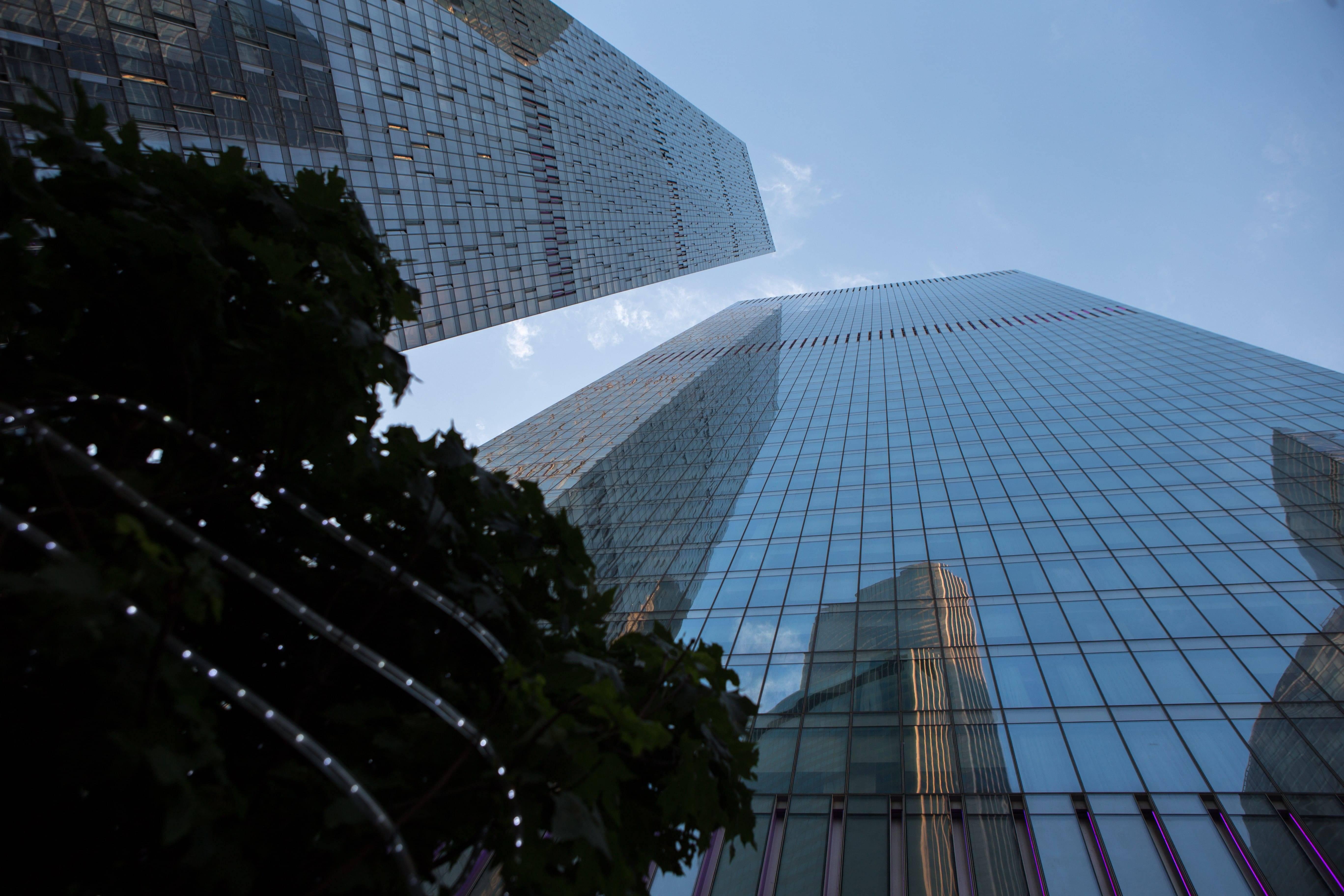 Новая жизнь в стиле ОКО: кому стоит переехать в небоскреб