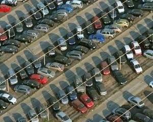 Даешь гараж: парковки в столице нужнее квартир - Фото