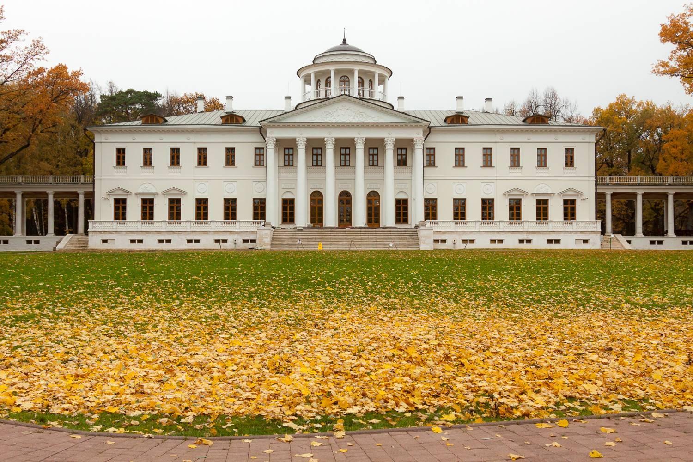 Что посмотреть жителям Новой Москве? Парки, усадьбы, церкви