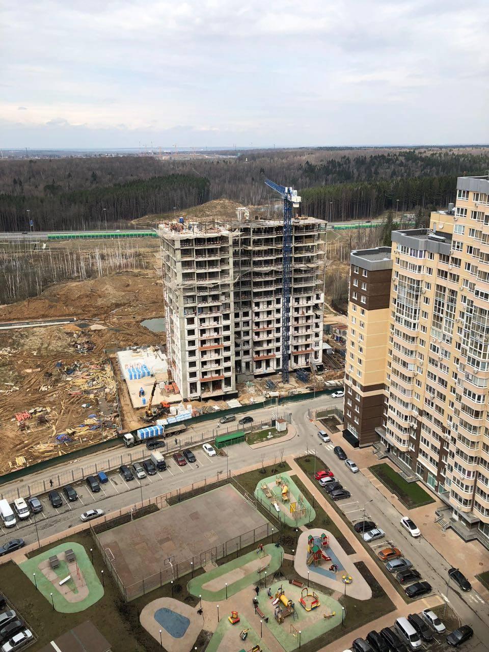Ход строительства жилых корпусов в микрорайоне «Одинбург»