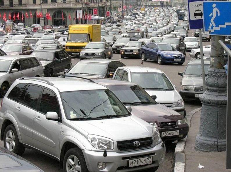 Парковки в Москве – роскошь для богатых