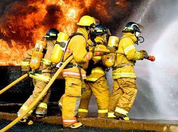 Владельцам придется страховать недвижимость от пожара