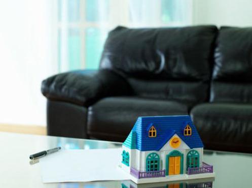 Покупка квартиры, находящейся в залоге у банка: тонкости и подводные камни